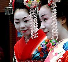 Maiko san at Yasaka Jinja, Kyoto by boudidesign