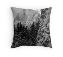 HALFDOME,WINTER Throw Pillow