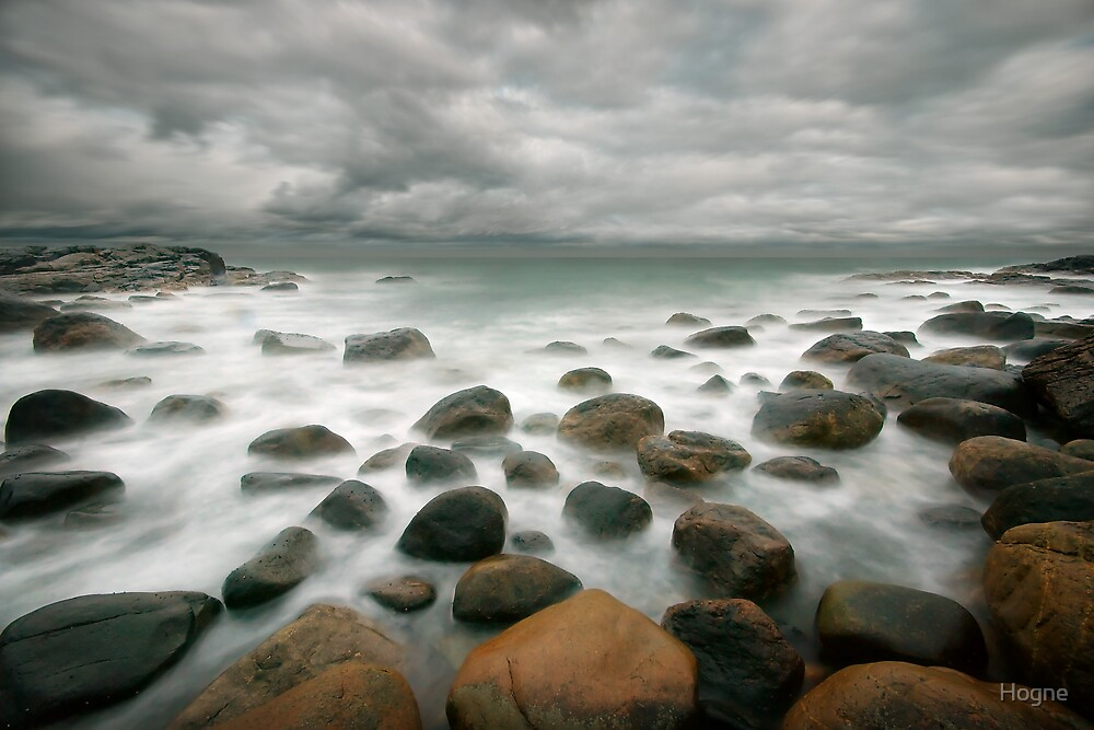 stormy stone beach by Hogne