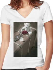 old suitcase Women's Fitted V-Neck T-Shirt