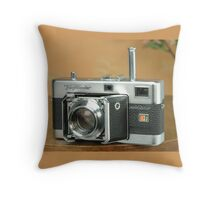 Classic Cameras: Voigtlander Vitessa Throw Pillow