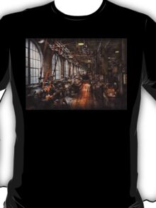 Machinist - A fully functioning machine shop  T-Shirt