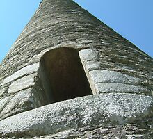 Round Tower by Alan Hogan