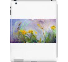Bumble bee on flowers iPad Case/Skin