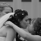 Alicia & Maddie by KeepsakesPhotography Michael Rowley