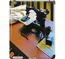Sewing Machine with Cloth iPad Case/Skin