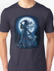 Full Moon Shines On Old Guitarist Broken Heart Blues T-Shirt