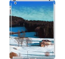 Winter wonderland scenery on a sunny afternoon | landscape photography iPad Case/Skin
