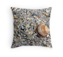 abstract shells on the beach Throw Pillow