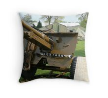 25 PDR Howitzer (photo) Throw Pillow