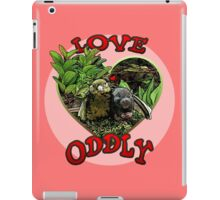 LOVE ODDLY (pink) iPad Case/Skin