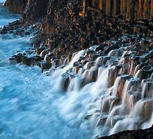 Ocean Falls by kushchadda