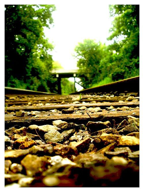 follow the yellow (rock) road by ersatzzzzz