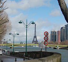 Paris by Alihogg