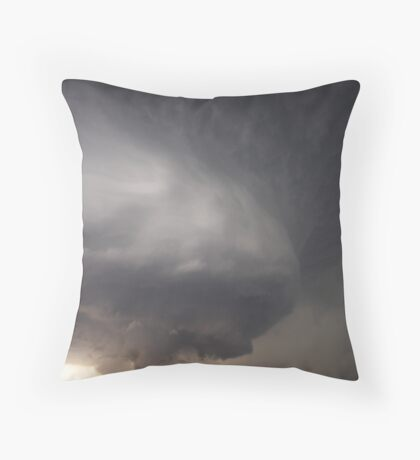 Supercell mith magnificent structure and developing tornado Throw Pillow