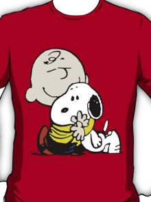 Charlie Brown hugs Snoopy T-Shirt