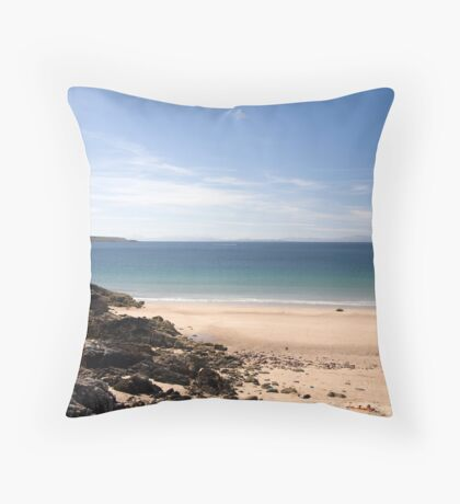 Speed bonny boat... Throw Pillow