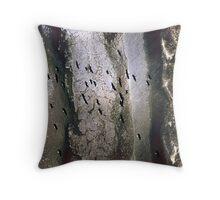 ibis above a receeding shore Throw Pillow