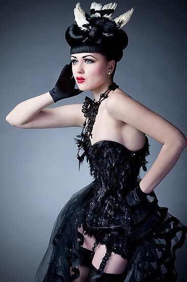 Viktoria Modesta - Bird by phantomorchid