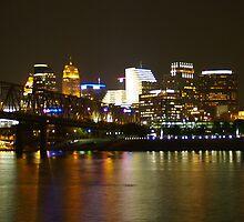 Cincinnati, Ohio by Mindy  Krummen