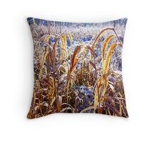 Blades of grasses Throw Pillow