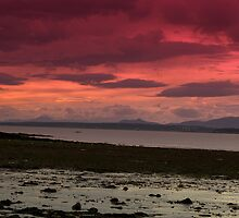 Red Sky of the Forth by Kevin Meldrum