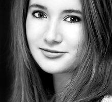 lauren - acting portfolio portrait by poise