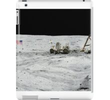 Apollo 17 : Amazing Panoramic Picture Taken on the Moons surface iPad Case/Skin
