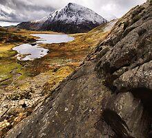 Llyn Idwal by Julian MacDonald
