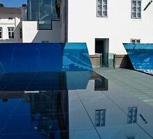 Mirror installation, gallery building, Prague by lightworks