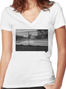 Skate pool Women's Fitted V-Neck T-Shirt