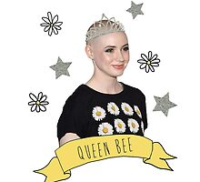 Karen Gillan - Queen Bee by Emma Kiiskila