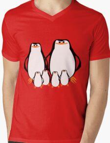 Penguin Family  Mens V-Neck T-Shirt