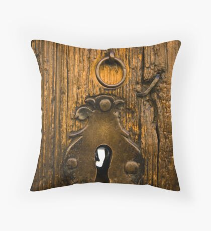 keyless time machine Throw Pillow
