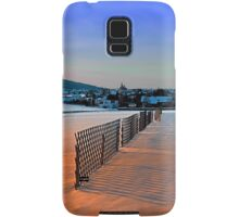 Fences, evening sun and the village | landscape photography Samsung Galaxy Case/Skin