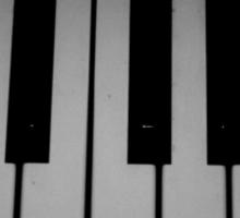 snow piano  Sticker