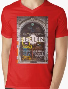 Berlin Grafitti Typography Print Mens V-Neck T-Shirt