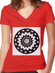Weave Wheel Women's Fitted V-Neck T-Shirt