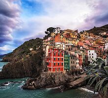 Colors of riomaggiore by aaronchoi