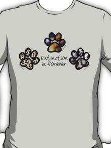 Big cat paws T-Shirt