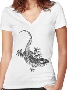 Wall Gecko Lizard Women's Fitted V-Neck T-Shirt