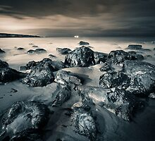 Marsden Bay Rocks by Oliver Hilbert