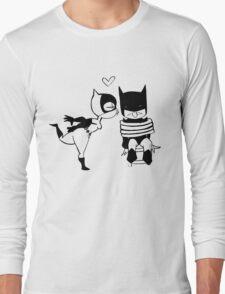 Catwoman Kissing Batman Long Sleeve T-Shirt