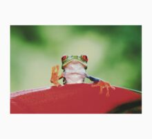"""""""Live long and Prosper"""" Red-eyed Tree Frog T-Shirt"""