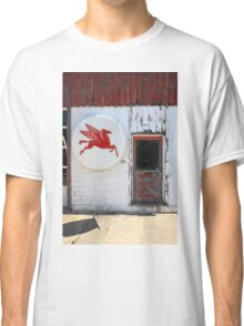 Route 66 - Rusty Mobil Station and Pegasus Classic T-Shirt
