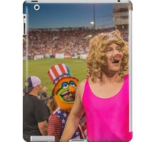 Miss Piggy entertains the crowd iPad Case/Skin