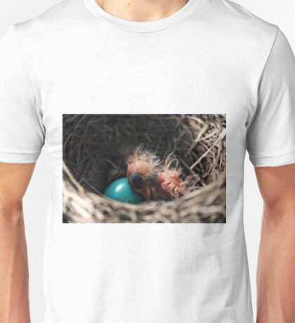 Baby bird in nest Unisex T-Shirt