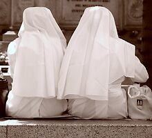 Nuns on Luchbreak by Andreas Braun