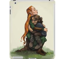Kiliel: Tauriel and Kili from the Hobbit on a Tree Stump iPad Case/Skin