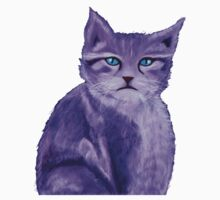 Unique painted purple cat with blue eyes Kids Tee
